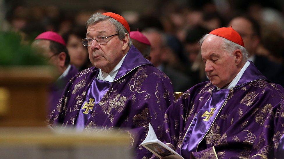 Kardinal Džordž Pel tokom mise u Vatikanu