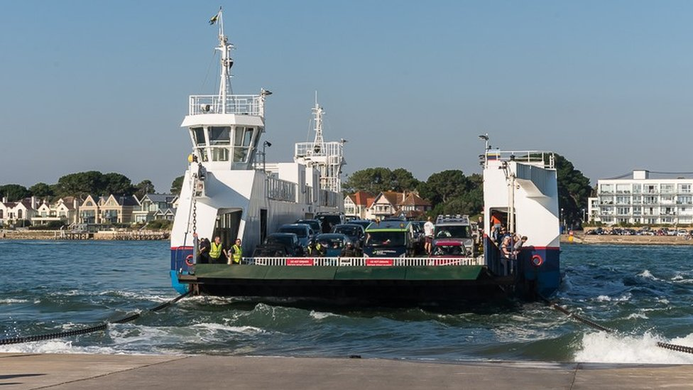 Swanage trade 'hit by Sandbanks Ferry closure'