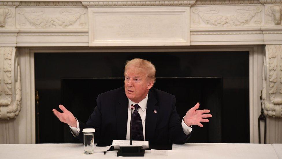 Trump diz estar tomando hidroxicloroquina, contra a recomendação de seu próprio governo