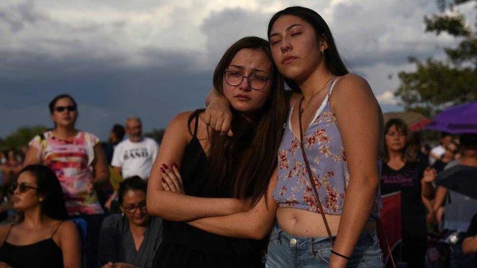Residentes de El Paso tras el incidente