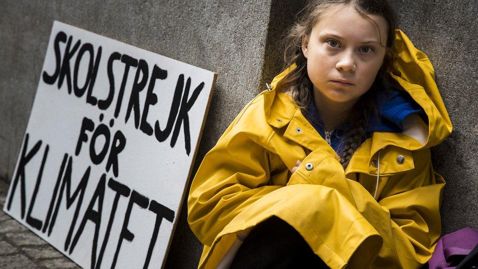 غرييتا أمام البرلمان السويدي