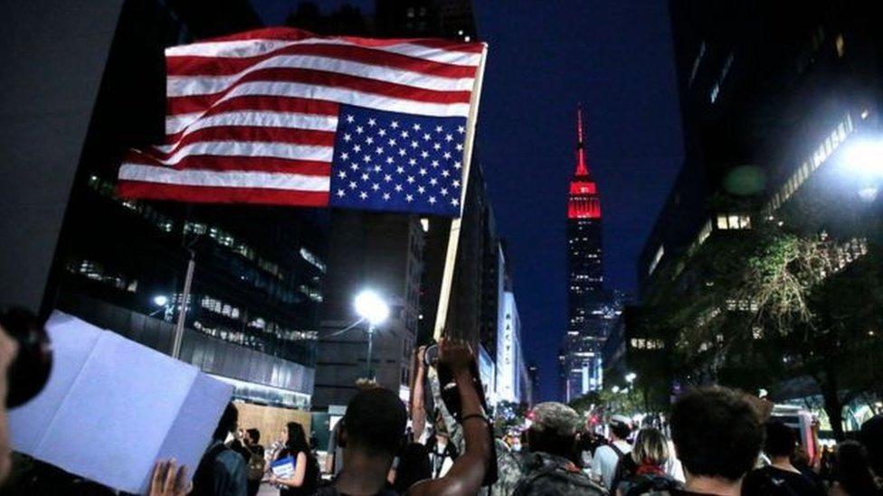Manifestaciones por el centro de Manhattan.