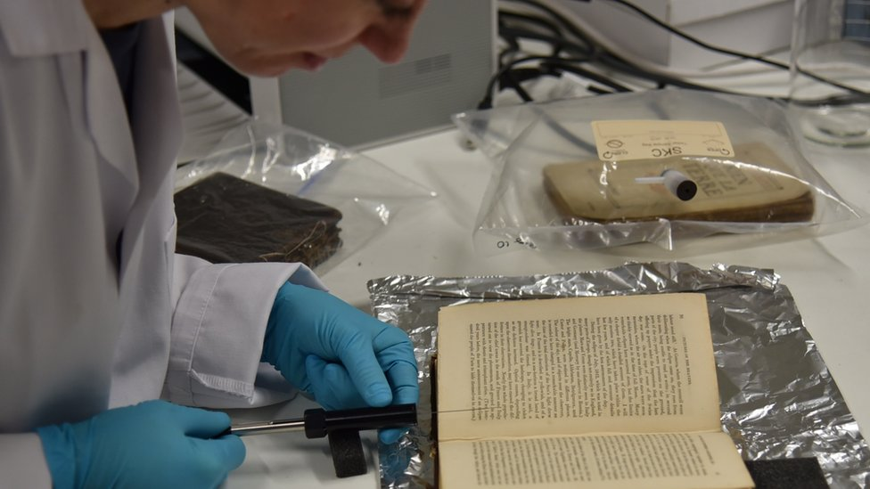 Smell of an old book being extracted