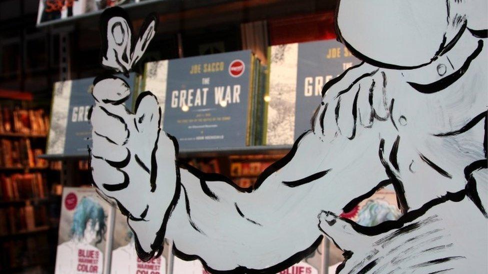 """El libro """"La gran guerra"""", de Joe Sacco, en una librería de Londres"""