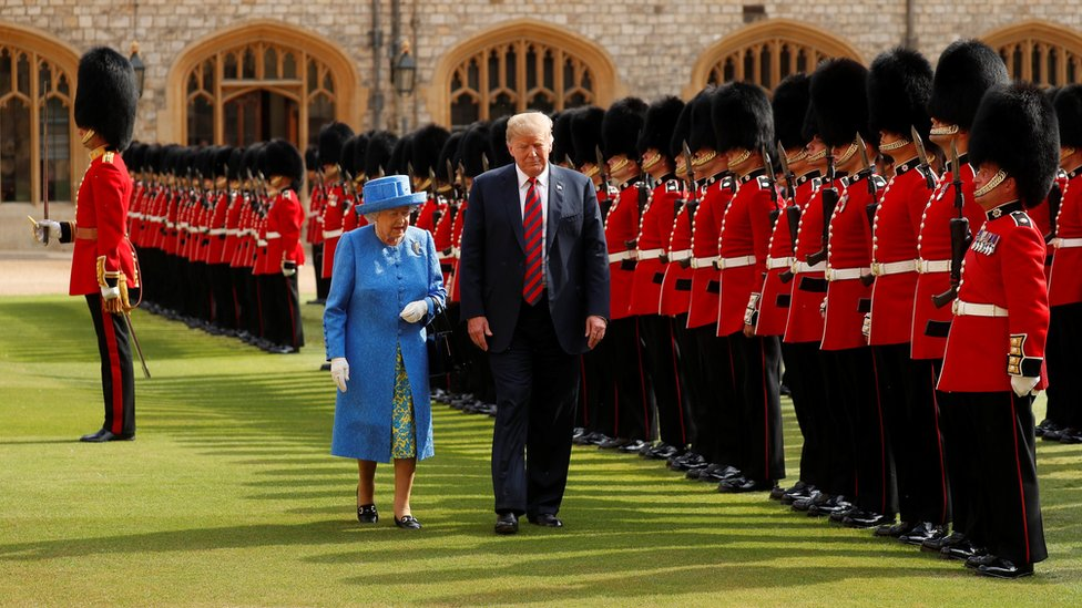 US President Donald Trump and Britain's Queen Elizabeth inspect the Coldstream Guards