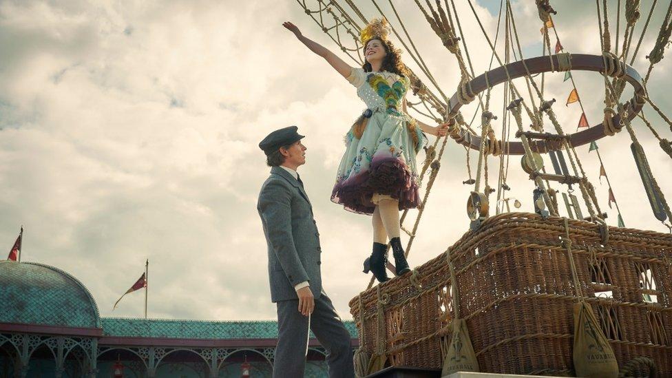Eddie Redmayne as Mr Glaisher with Felicity Jones as Amelia Wren