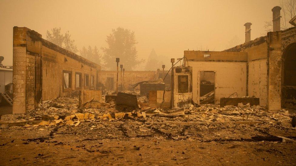 Casa destruida por el fuego en Greenville.