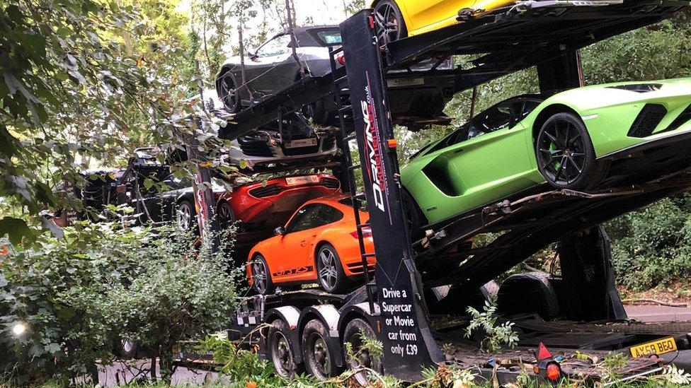 Supercar transporter crashed in Leicestershire road