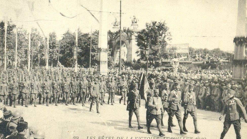Srpska vojska na paradi pobede u Parizu (jun 1919)