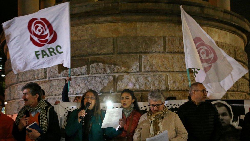 Vigilia de miembros del partido Fuerza Alternativa Revolucionaria del Común
