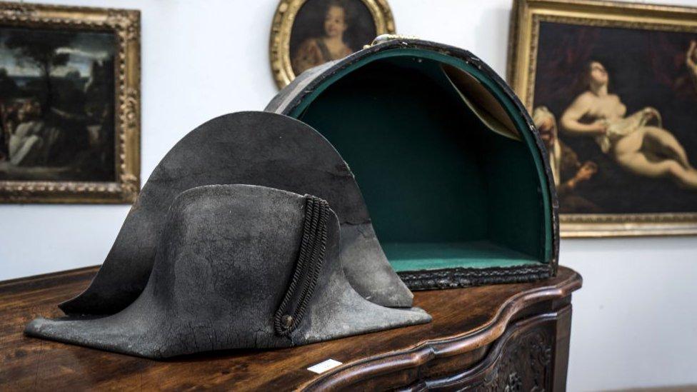Капелюх Наполеона продали всемеро дорожче, ніж очікували