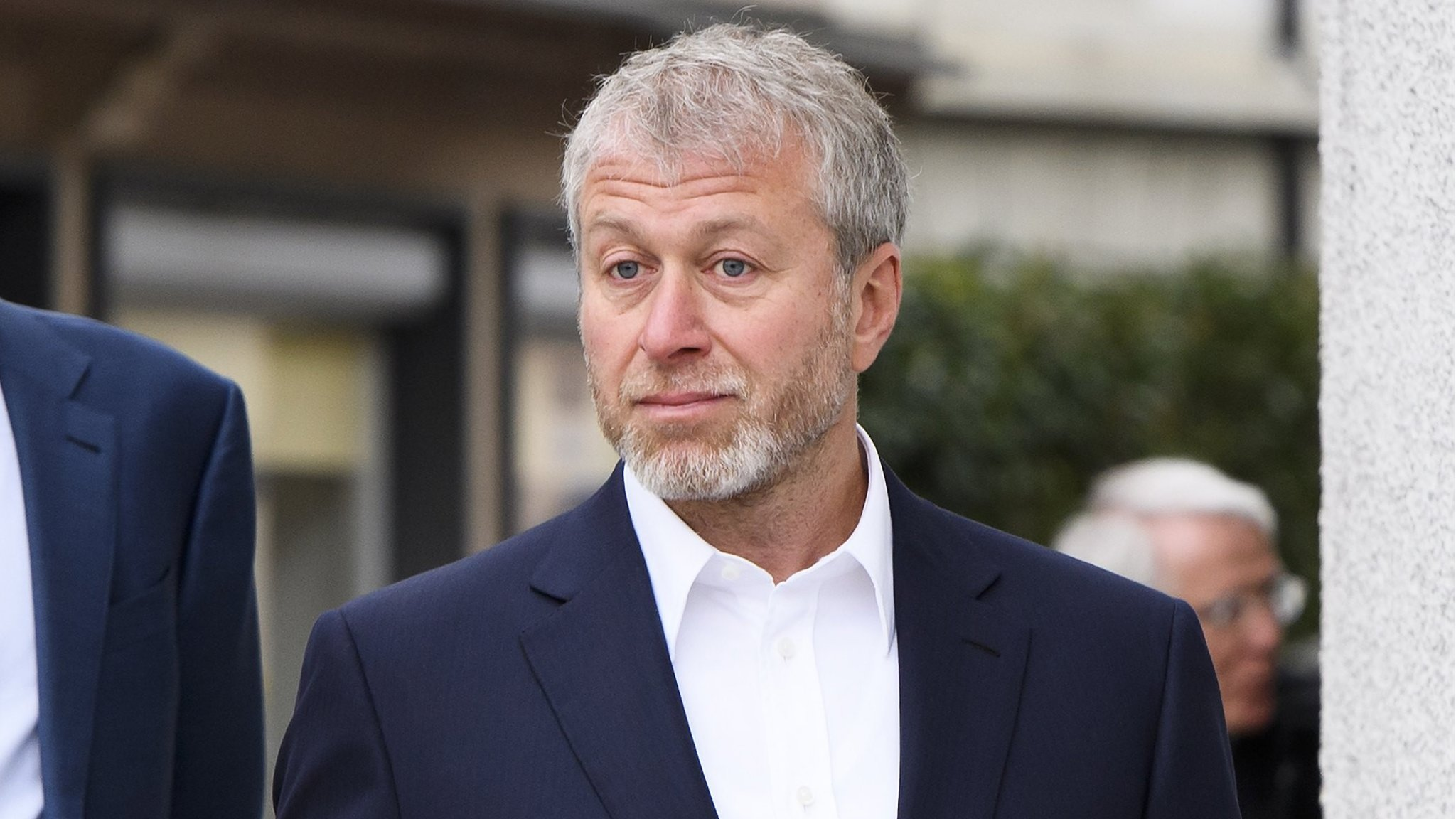 Swiss suspected Chelsea owner Abramovich to be a 'threat'