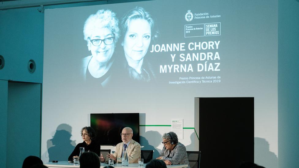 Chory y Díaz en un panel durante un evento vinculado al premio