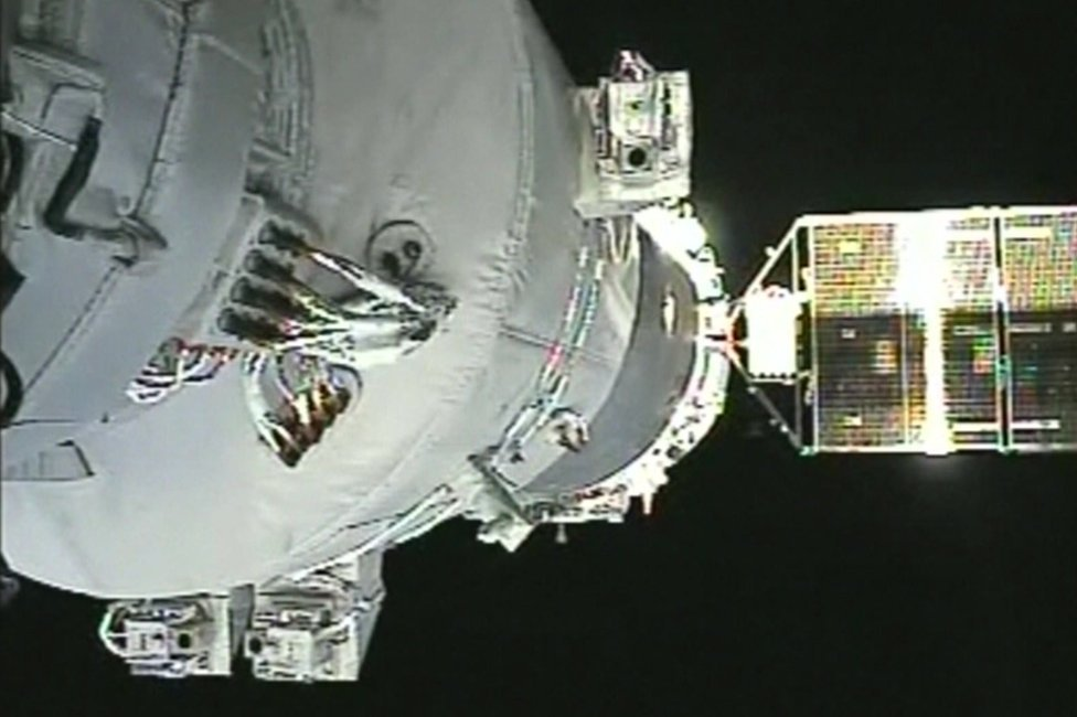 Screengrab of Shenzhou-11 docking at the Tiangong 2 space laboratory on 19 October 2016