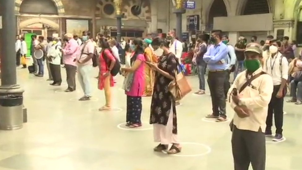 Rail commuters stranded in Mumbai