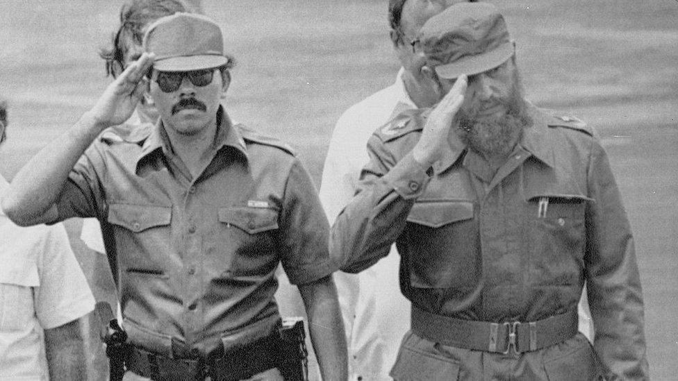 Daniel Ortega y Fidel Castro.