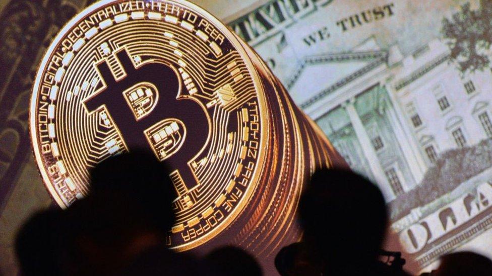 Koronavirüs salgınının altın ve bitcoin fiyatlarına etkisi