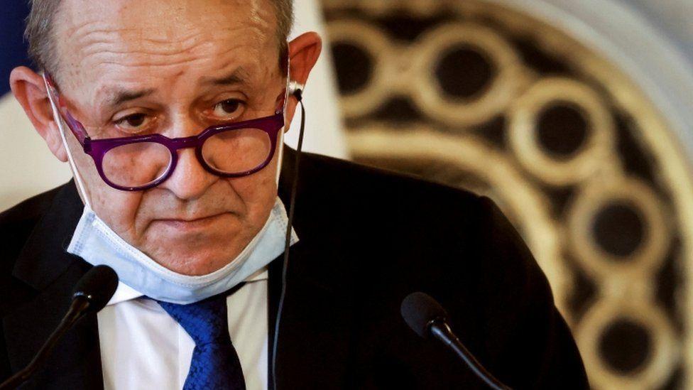 """法國外長勒德里昂表示,英國與歐盟的疫苗戰爭將是 """"驚人的""""。"""