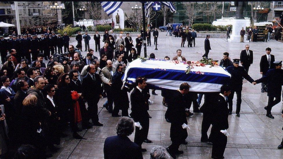 Tras su muerte, Mercouri fue honrada en Atenas con un funeral de Estado.