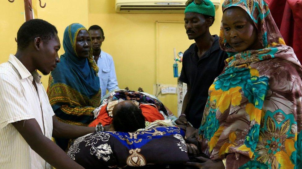 أحد ضحايا الإجراءات الأمنية ضد المحتجين في الخرطوم