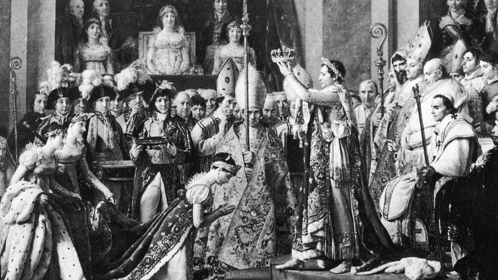 josefina es coronada como emperatriz