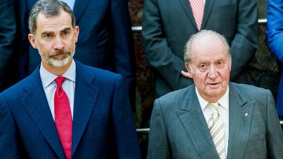 El rey Felipe VI y su padre, el rey emérito Juan Carlos I.