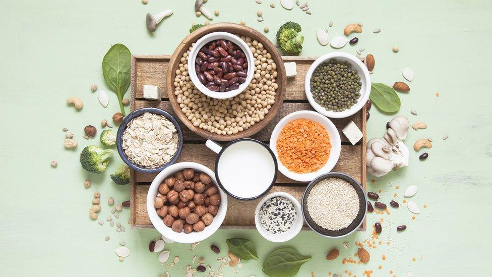 Foto de platos con proteínas