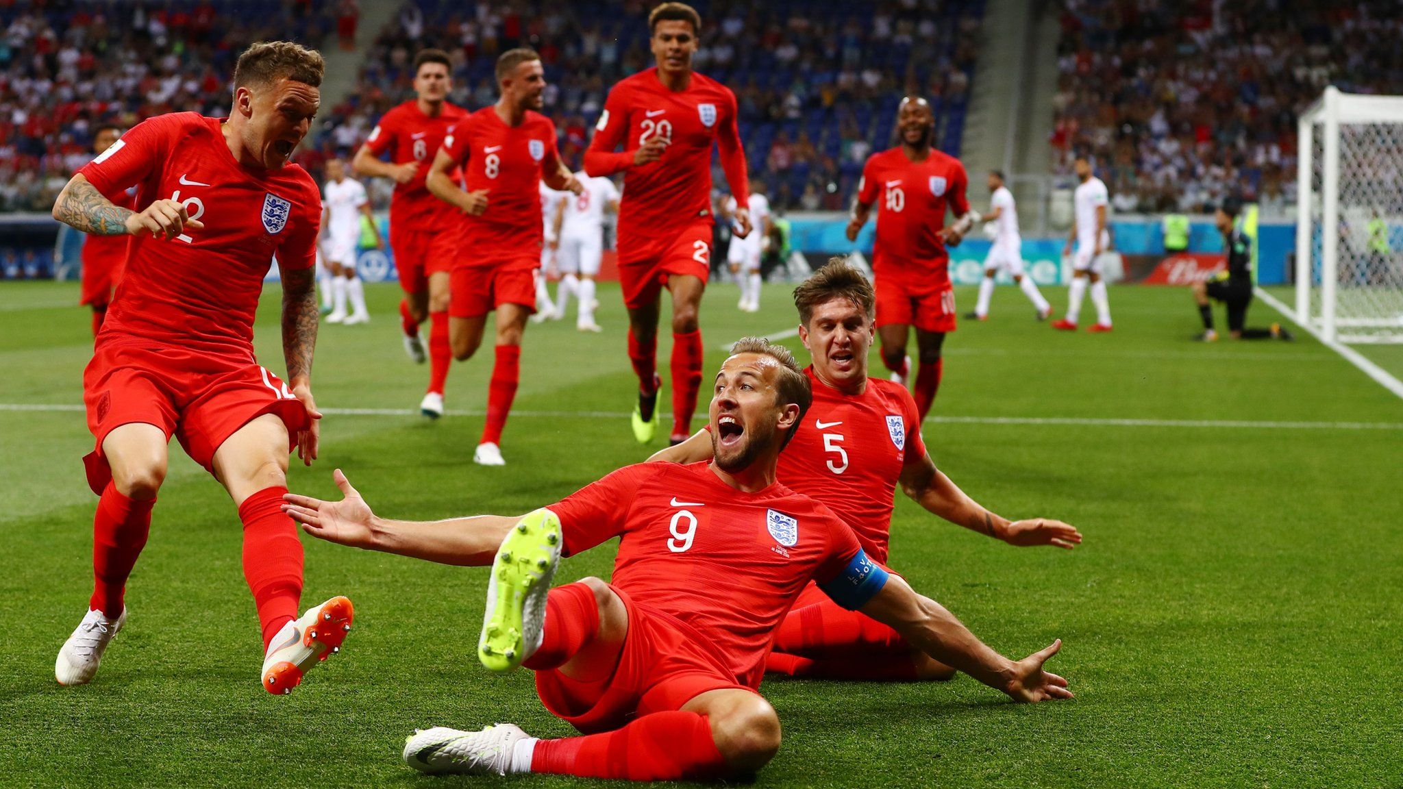 Kane powers England to win over Tunisia
