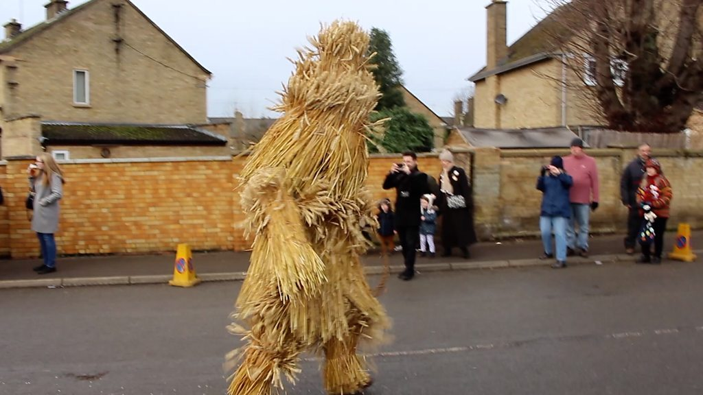 Whittlesey Straw Bear Festival entertains crowds