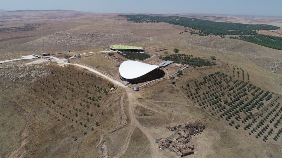 Vista panorámica del yacimiento Göbekli Tepe.