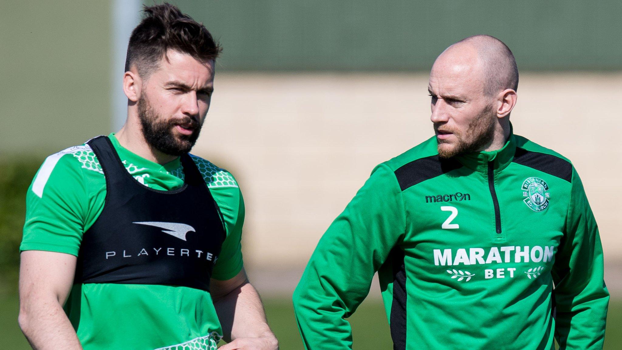 David Gray & Darren McGregor sign new Hibs contracts until 2023