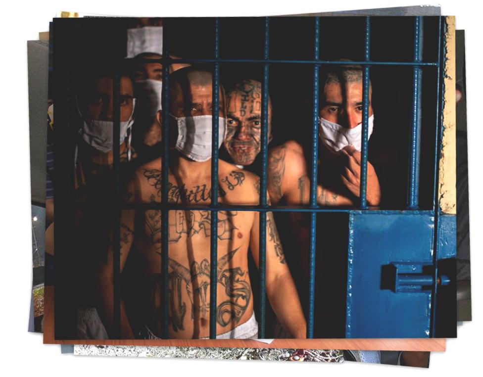 Pandilleros de la Mara Salvatrucha en un penal de El Salvador.