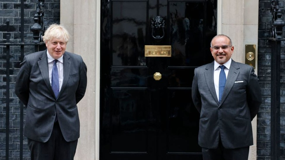 رئيس الوزراء البريطاني بوريس جونسون يستقبل ولي العهد البحريني