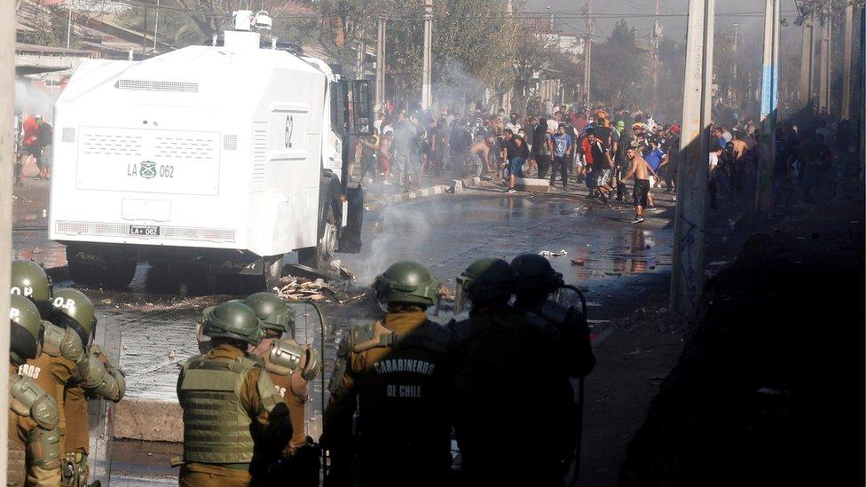 Protesta en la comuna El Bosque en Chile.