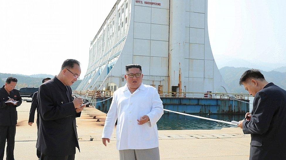 Кім Чен Ин наказав зруйнувати південнокорейські готелі