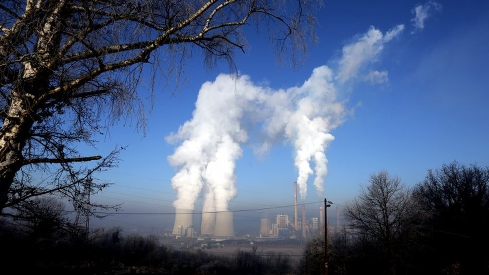 Katowice UN climate talks extended due to sticking points