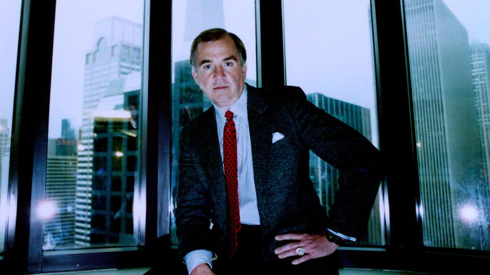 El experto en asesinos seriales John E. Douglas, un año después de retirarse del FBI, en 1996.