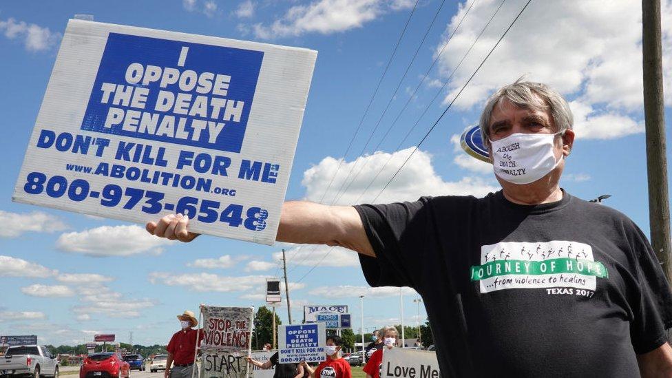 Manifestante contra la pena de muerte.
