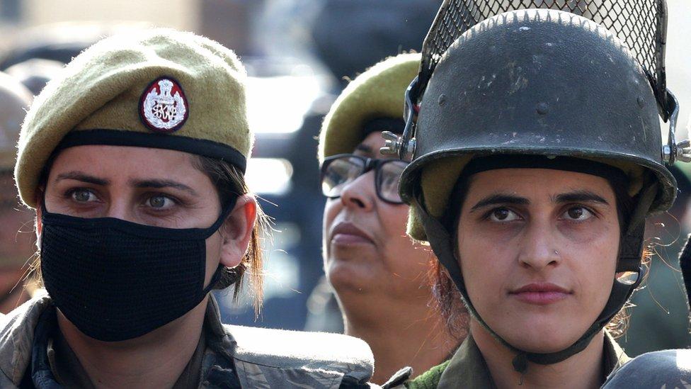 पुलवामा CRPF हमला: कश्मीर के लिए अर्धसैनिक बलों को मिलेगा हवाई टिकट