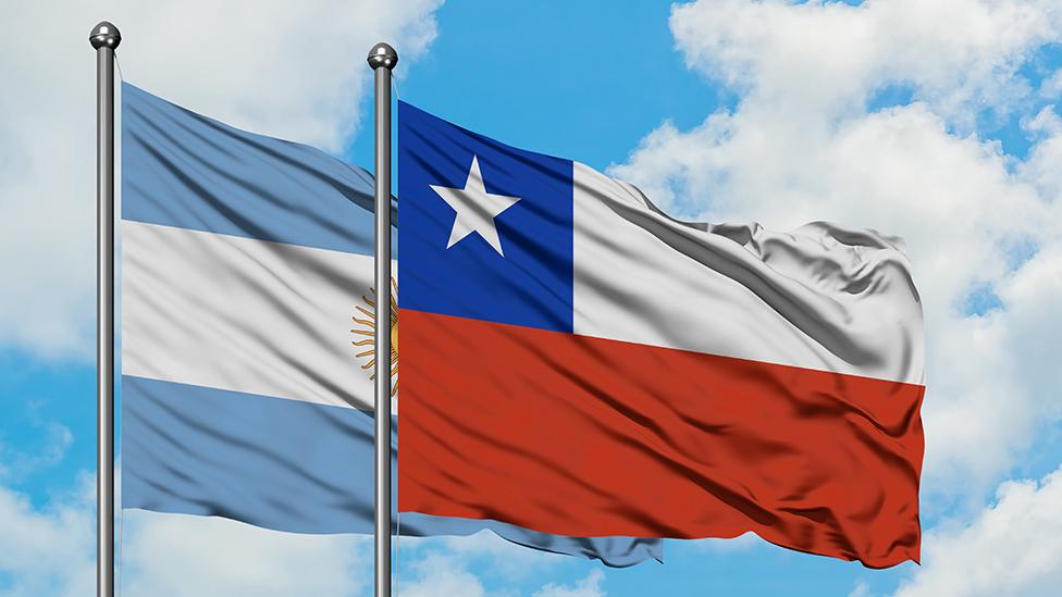Banderas de Argentina y Chile