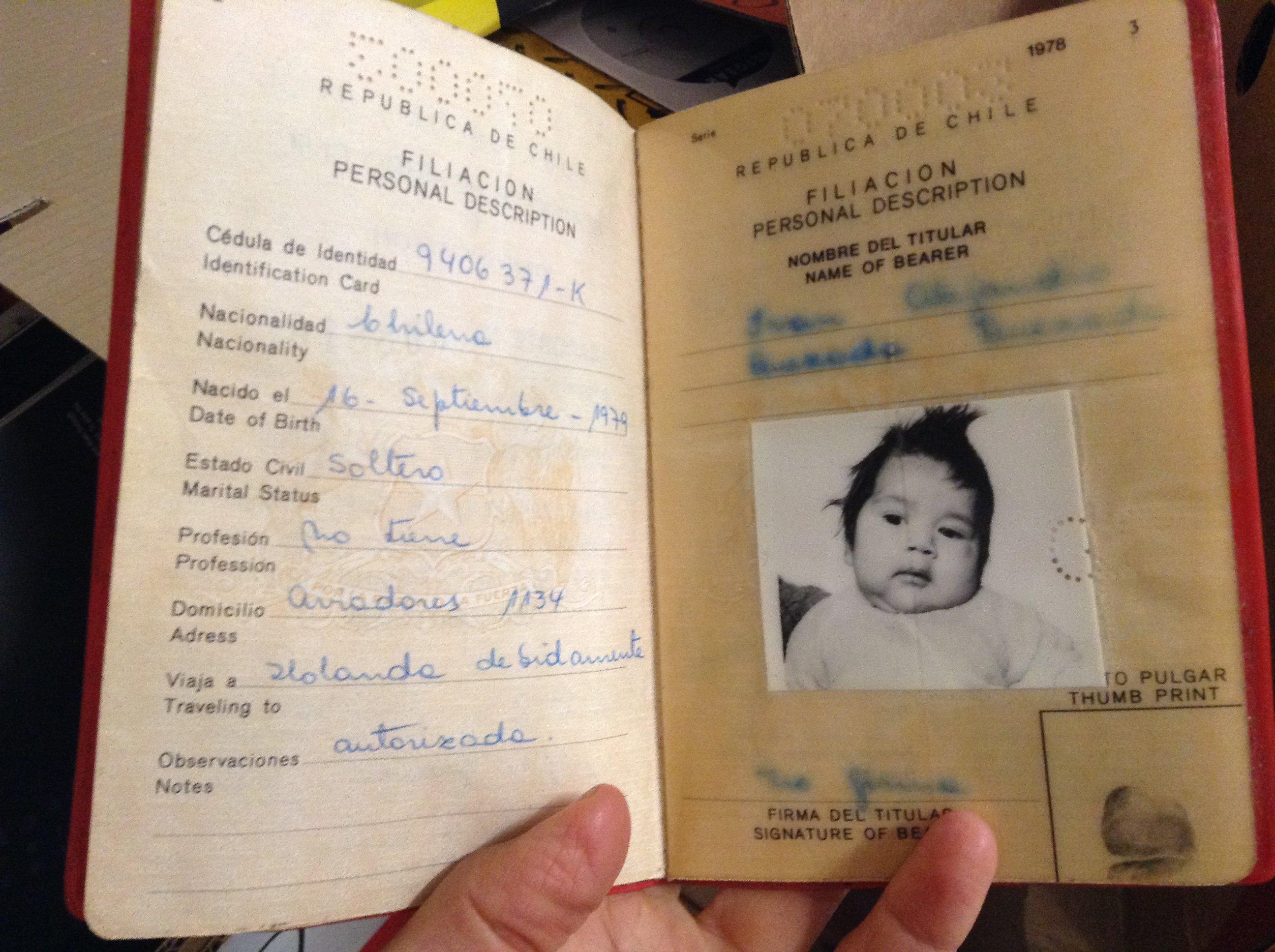 Pasaporte de Alejandro Quezada