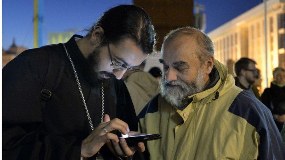 Pravoslavni sveštenik u Kijevu je dočekao ovu vesti na ulici