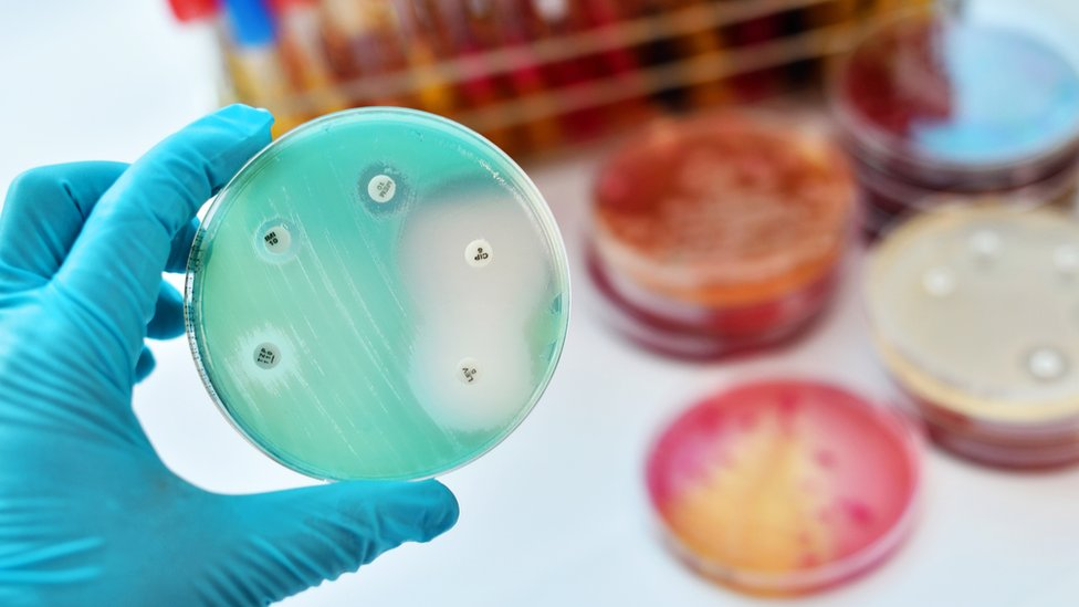 Antibiotic resistance plan to fight 'urgent' global threat