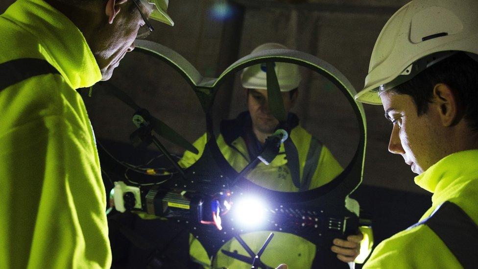 Team inspection Riser drone