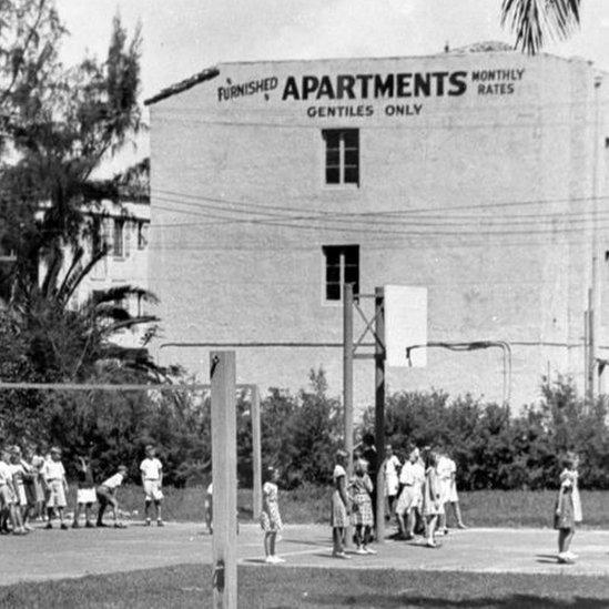 Foto de hotel en Miami que no aceptaba a judíos.