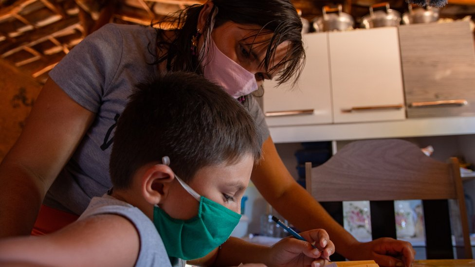 Coronavirus: The realities of schooling in rural Brazil thumbnail