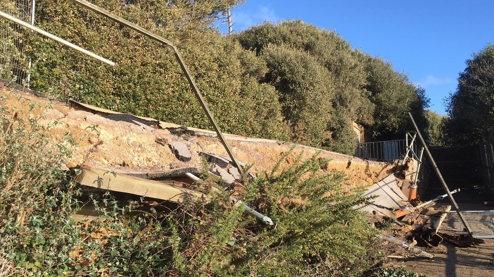 Highcliffe collapsed cliff path rebuild plans approved