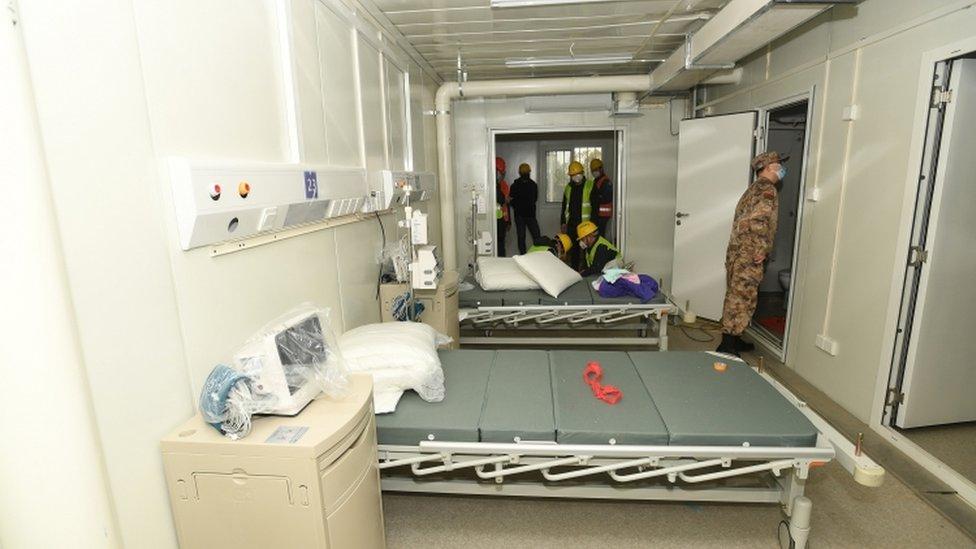 Zdravstveni radnici koji su zaposleni pri vojci će voditi novu bolnicu u Vuhanu