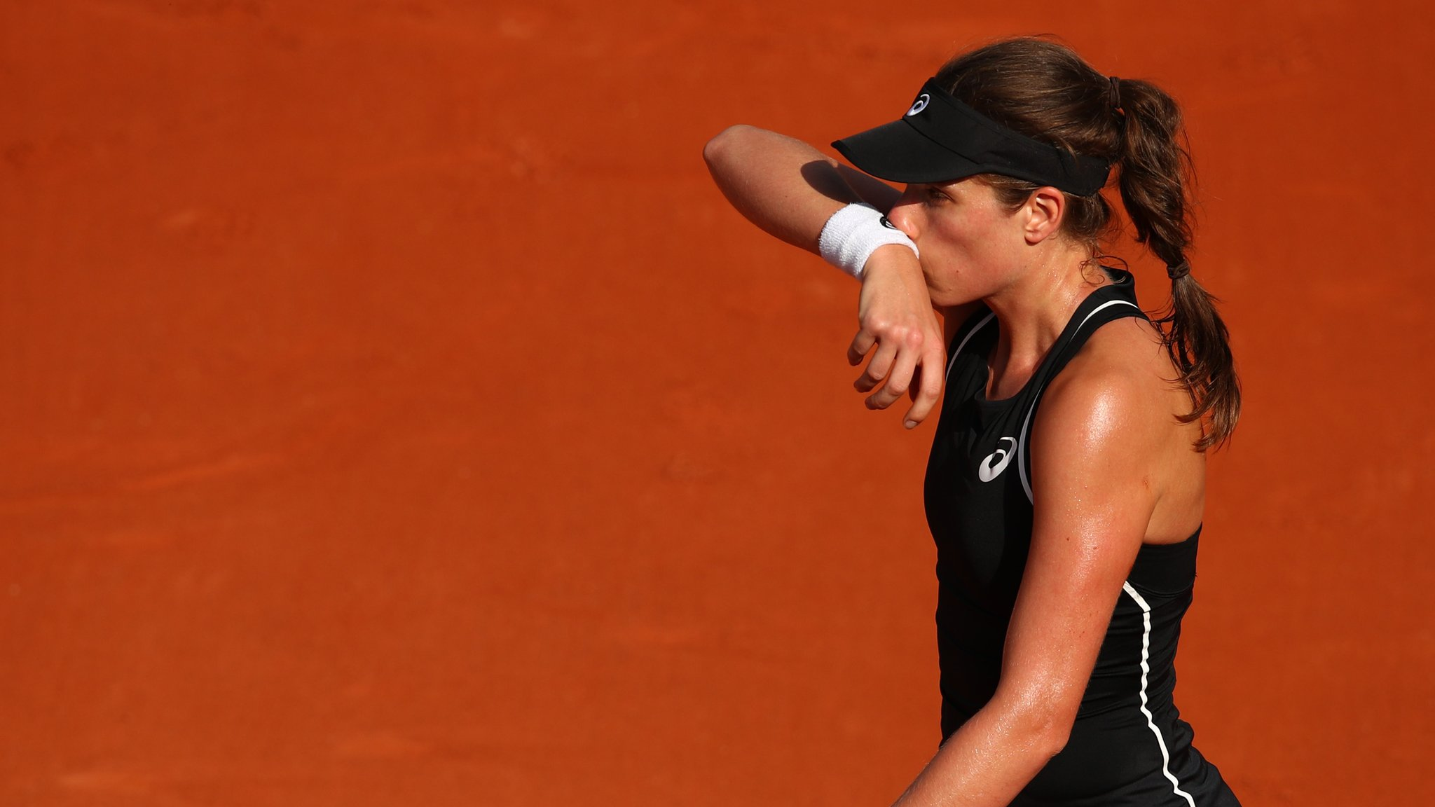 Still no win at Roland Garros - British hope Konta out in French Open first round