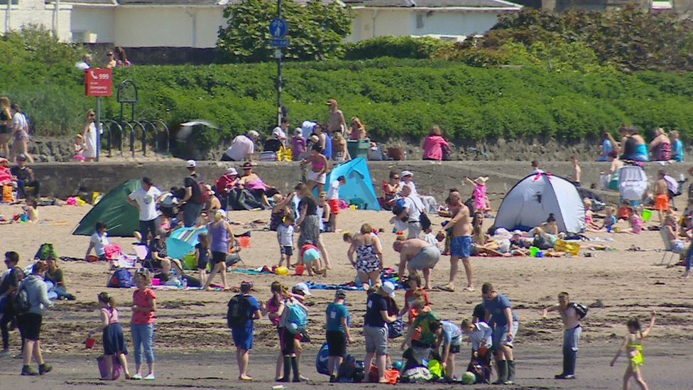 Scotland prepares for scorching bank holiday weekend